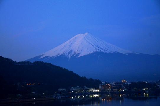 夜明けの富士1224.jpg