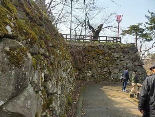 弘前城石垣1220139.jpg
