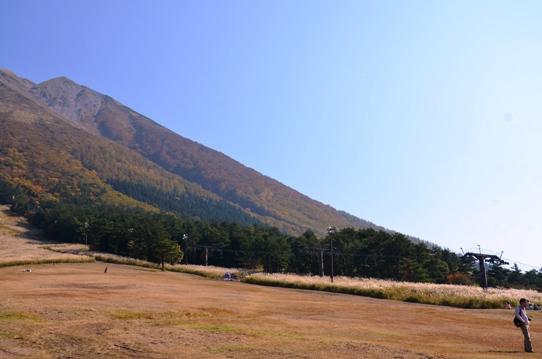 桝水高原から見た大山7775.jpg