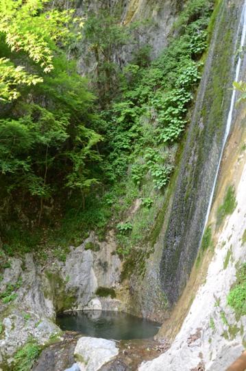 絹掛の滝1718.jpg