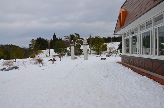 蒜山サービスエリアの雪2823.jpg