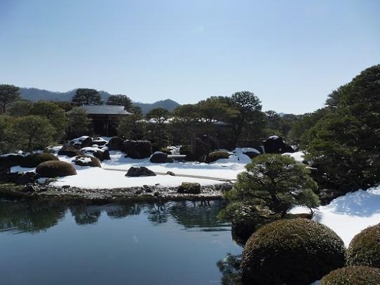 雪の足立美術館1200125.jpg